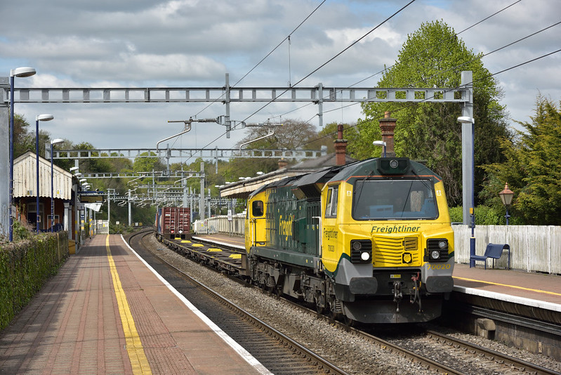 Freightliner 'Ugly' 70020  storms through Pangbourne at the head of 4O54  freightliner working from Leeds F.L.T. to Southampton Maritime.<br /> <br /> 27 April 2017
