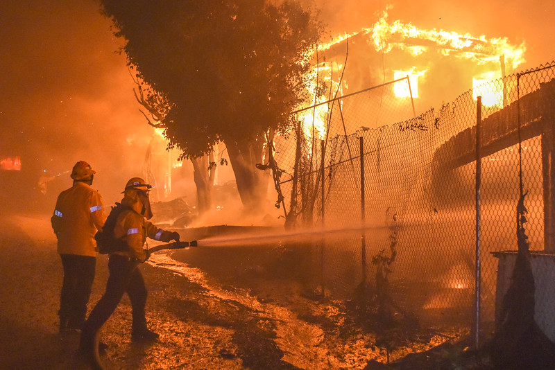 LAFD engages two  full involved structures at 1104 and 1128 Tigertail Ave (Brentwood) at approximately 0540hrs on 10/28/19