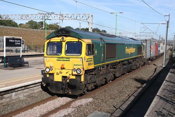 11 August 2018. 66541 passes MKC working 4L97 0457 Trafford Park - Felixstowe.