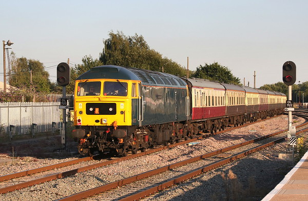 5 August 2018. Having failed earlier in the day, 47727 Caisteal Dhun Eideann leaves Banbury on the rear of the Dub and Grub charter, the 1Z52 1835 Birmingham International - Basingstoke. 50049 Defiance + 50007 Hercules led the train which was originally due to feature the aforementioned 47727 and 47749.