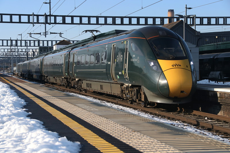 2 February 2019. Complete with GWR branding on her nose, 800010 Michael Bond passes through Didcot leading the 1A18 1300 Bristol Temple Meads - Paddington.