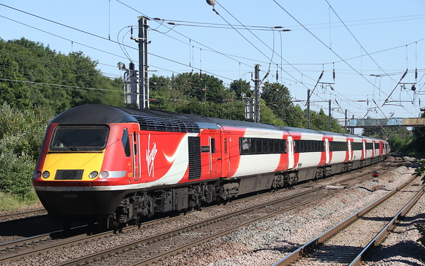 25 June 2018. 43208 Lincolnshire Echo passes Hitchin on the rear of the 1A36 1445 Leeds - King's Cross.