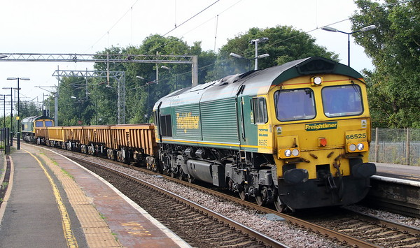 23 June 2018. 66525 tops 66545 at Wolverton on the 6Y50 1440 Crewe BH - Euston.