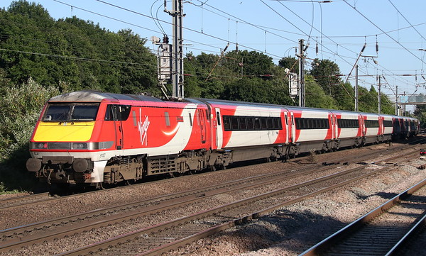 25 June 2018. 91102 City of York runs South on the slow at Hitchin whilst working the 1A40 1615 Leeds - King's Cross.