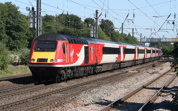 25 June 2018. 43257 Bounds Green forms the rear of the 1E15 0952 Aberdeen - King's Cross, the 'Northern Lights' at Hitchin.