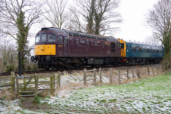 17 March 2018. Slim Jim 33207 Jim Martin heads past Lyde Meadow, Bledlow during the Chinnor Diesel Gala working the 1C32 1125 Princes Risborough - Chinnor.
