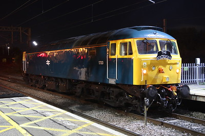27 October 2018. 1733 is seen at MK having detached from 5Z22 and is about to run round the Statesman stock to double head with stablemate D1924 (47810)