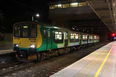 9 October 2018. With 150 and 153 units to be replaced by class 230 stock in December, a view of 150109 at Bletchley with the 2S29 2001 to Bedford.