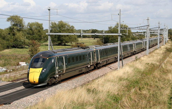800028 + 800005 Shrivenham 5 September 2019