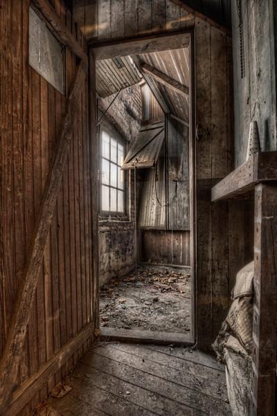 Basement Corner Room (1)