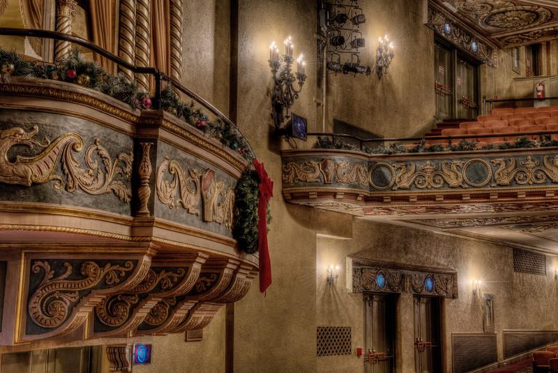 Box and Balcony