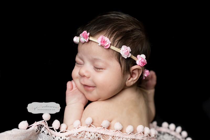 newborn fotoshoot met attributen