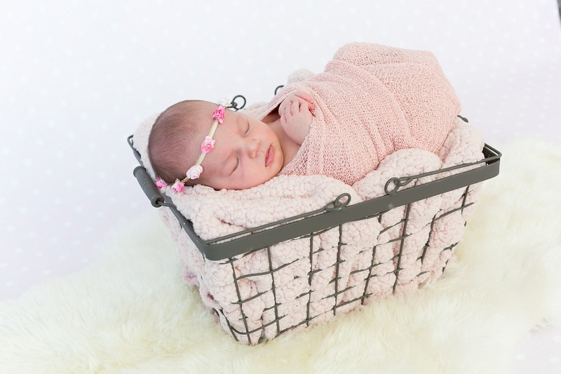 newborn fotoshoot met attributen