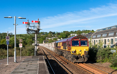 140518 ,  66187 arrives at Lostwithiel to run round with the MO 0725 St Blazey to Parkandillack