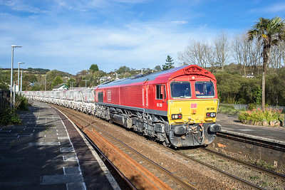 061017  After running round 66206 gets underway again and is about to proceed down the branch with the 6G08 16:29 Goonbarrow-Fowey