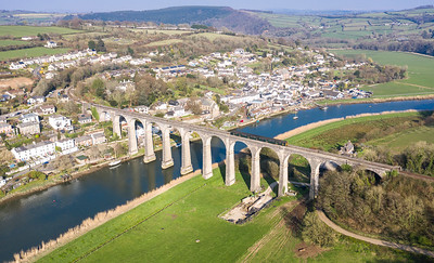 300319  FGW class 150 heads over calstock viaduct with the 2P91 1545 Gunnislake to Plymouth