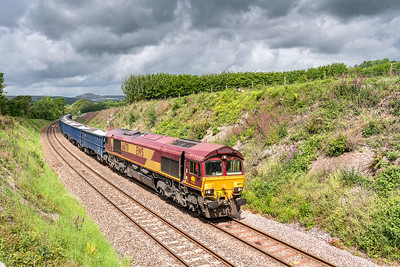 030619  66170 passes Dinnaton with the 6C12    10:28 Burngullow-Exeter Riverside