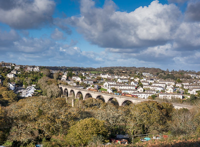 121117,  66127 TnT 660027 heads the  3J15  12:53 Par-Falmouth-St.Blazey RHTT working over Collegewood viaduct