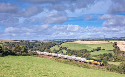 051017   ..70813  passes Menheniot with the 6C36  ThO  11:38 Moorswater-Aberthaw cement works