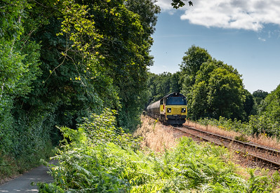 250718   ..70815 drops down into Coombe Junction with 6c35 the 0250 Aberthaw Tarmac Colas Rail to Moorswater