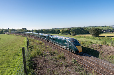 150518  .800 009 / 800 030 on 5Z88 06:06 Stoke Gifford to Laira head towards Blachford viaduct.