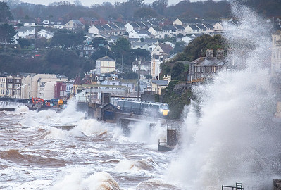 211119  FGW class 800 heads the 1A85 1000 Penzance to London Paddington  through dawlish and into in to the wild weather along the sea wall.