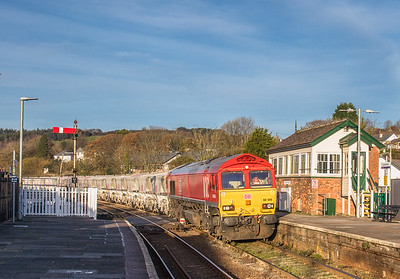 171117 ..66206 has run round at lostwithiel and will now proceed down the branch to Carne Point 6P24  15:25 Parkandillack-Fowey