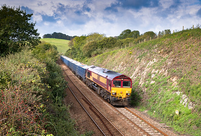 081019  ,66121 heads the 6C12  10:28 Burngullow-Exeter Riverside sand past Forder.