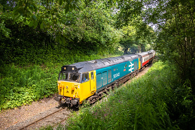50042 heads into Dreason curve with the 1055 General-Parkway service