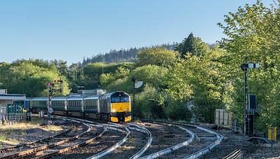140518   ,57602 arrives at Lostwithiel with the 1C99   MO  23:50(Sun) Paddington-Penzance