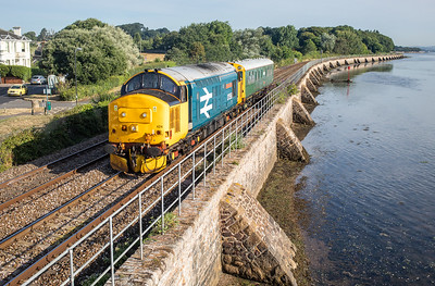 250718   .37424 (37558) heads the 2z04 0759 Exeter St Davids to Exeter St Davids (via Penzance) past Starcross.