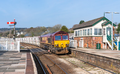 0101419 After running round 66126 gets underway again and heads down the branch with the 6G08  16:29 Goonbarrow-Fowey