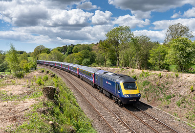 130518  '43128 heads the 1A85 1101 Penzance to London Paddington near Sparkwell.