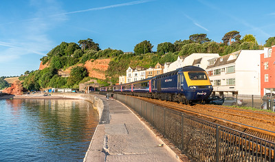250718  ..43124 heads the 1L72 0553 Plymouth to London Paddington through dawlish