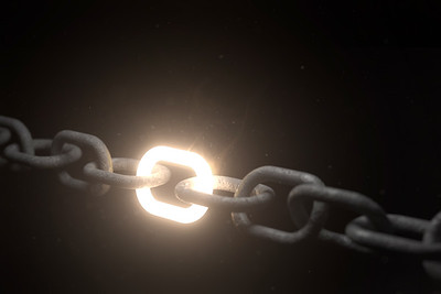 Chain with one strong link