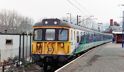 312 712 at Manningtree on 21st December 2000