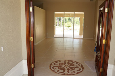 Foyer entry into the living and dining rooms