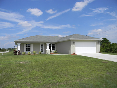 Great 3 Bedroom/2 Bath Home Totally Remodeled And Move-In Ready Today!!