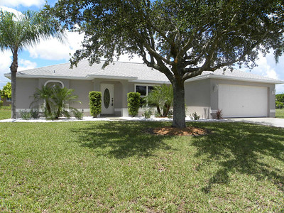 611 SE 16th St, Cape Coral, FL $129,900