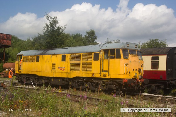 160723-017     Network Rail class 31 no 31233, ready for action at Swanwick, Midland Railway Centre.