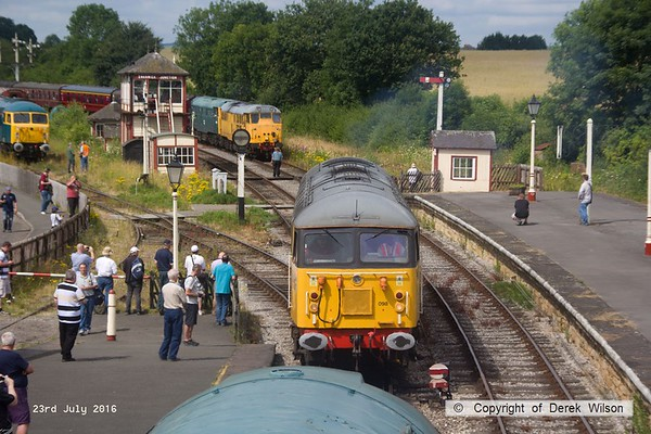 160723-042     UKRL class 56 no 56098 Lost Boys 68-88 about to hook up to 47401, to lead the 11.20 Swanwick Junction to Hammersmith. In the background are 31233 & 5580 (31162) arriving with the 10.51 from Hammersmith.