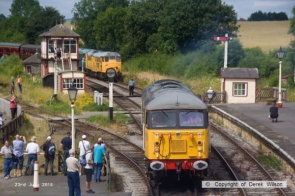 160723-041     UKRL class 56 no 56098 Lost Boys 68-88 about to hook up to 47401, to lead the 11.20 Swanwick Junction to Hammersmith. In the background are 31233 & 5580 (31162) arriving with the 10.51 from Hammersmith.
