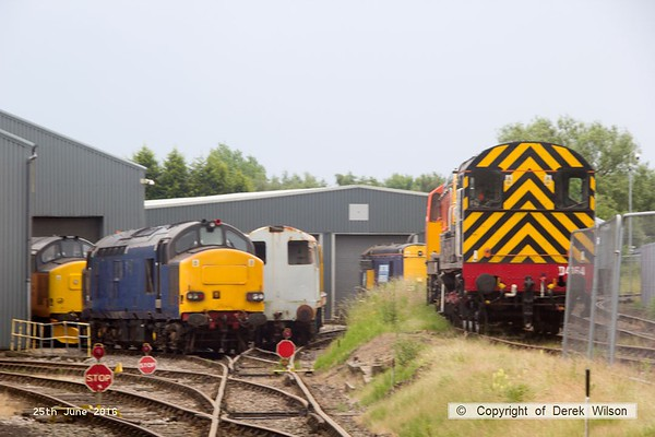 160625-052     In this seen at Barrow Hill is, on the left 37611 & 37421, whilst on the right is class 08 no 08934.