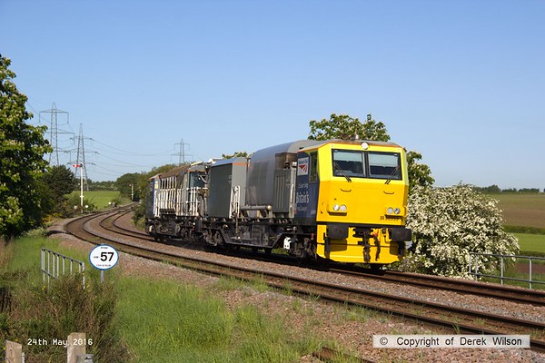 160524-008     Network Rail Multi Purpose Vehicles (MPV's) no's DR98959 and DR98909 are seen passing Clipstone Junctions on the former LDECR, heading to the High Marnham Test Track with the annual weedkiller, running as 6Z12, 06.00 Toton T.M.D. to Toton T.M.D..