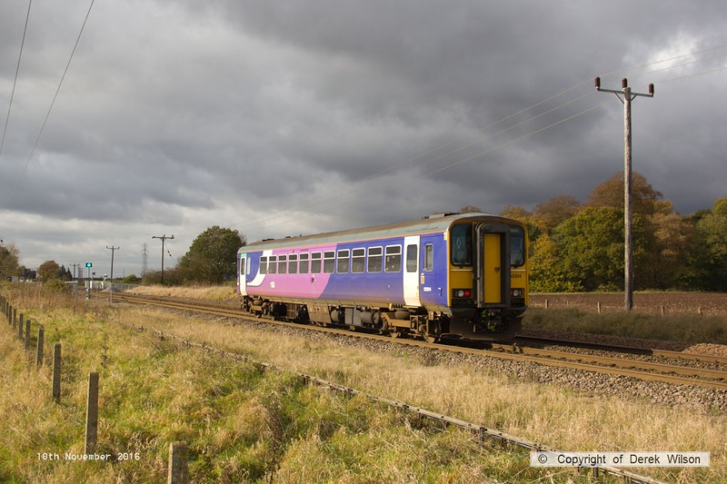 161110-026  Northern class 153 unit no 153304 passes Rushey Sidings with 2R15, the 11.25 Lincoln to Adwick.