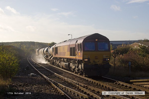 161017-018  Rail Head Treatment Train 3J87, 04.35 Toton T.M.D to Toton T.M.D. with DB Cargo class 66/0 no 66194 leading and classmate 66050 at the rear, captured arriving at Shirebrook, on the Robin Hood Line.