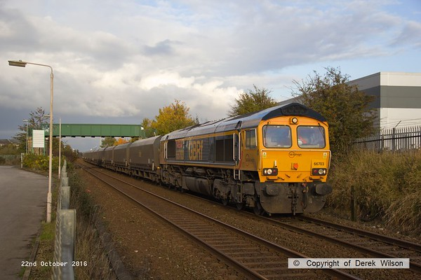 161022-009  GB Railfreight class 66/7 no 66703 Doncaster PSB 1981 - 2002, captured passing Tenter Lane , Mansfield, powering 6M81, 14.01 Immingham H.I.T. to Ratcliffe Power Station, loaded coal. Coal trains were not so long ago a common site locally, but nowadays are something of a rarity.