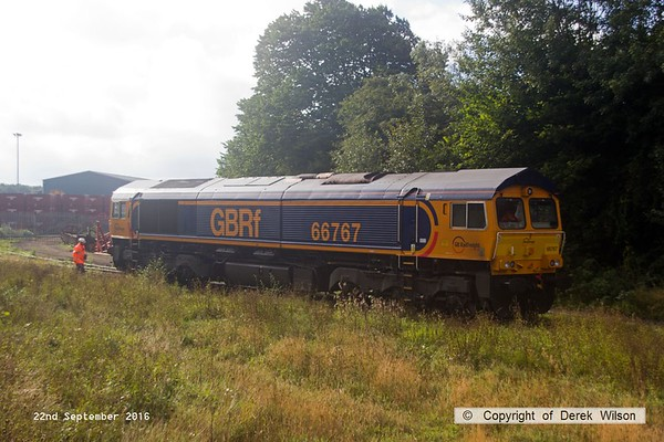 160922-029  GB Railfreight class 66/7 no 66767 runs back down Davis's transfer siding.
