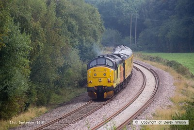 160921-024  Colas Rail Freight class 37 no 37219 is seen at the rear of PLPR (Plain Line Pattern Recognition) test train 1Q21, 08.34 Derby R.T.C. to Derby R.T.C. and is captured approaching Boughton Junction on the High Marnham Test Track. in the distance is 37175, leading the train.