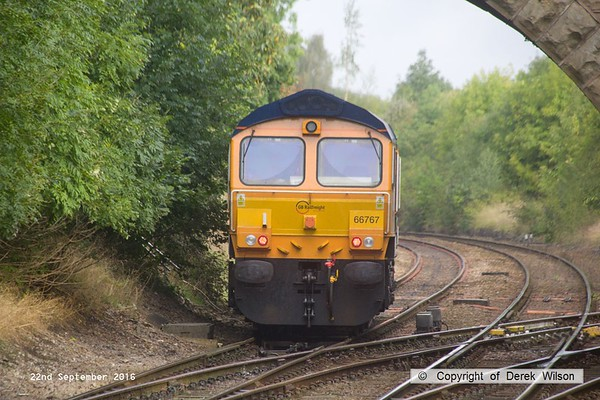 160922-022  GB Railfreight class 66/7 no 66767 heads on to Davis's branch line, running as 0F87, 07.58 Doncaster down decoy to Shirebrook, W.H. Davis.